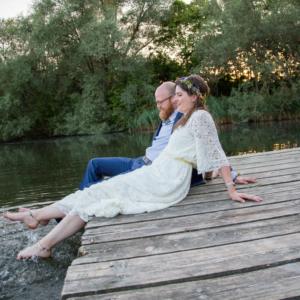 Brautkleid auf dem Steg am Südsee